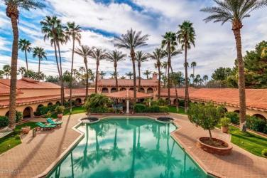 private-islands-in-the-desert-for-sale-2