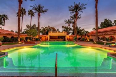 private-islands-in-the-desert-for-sale-3