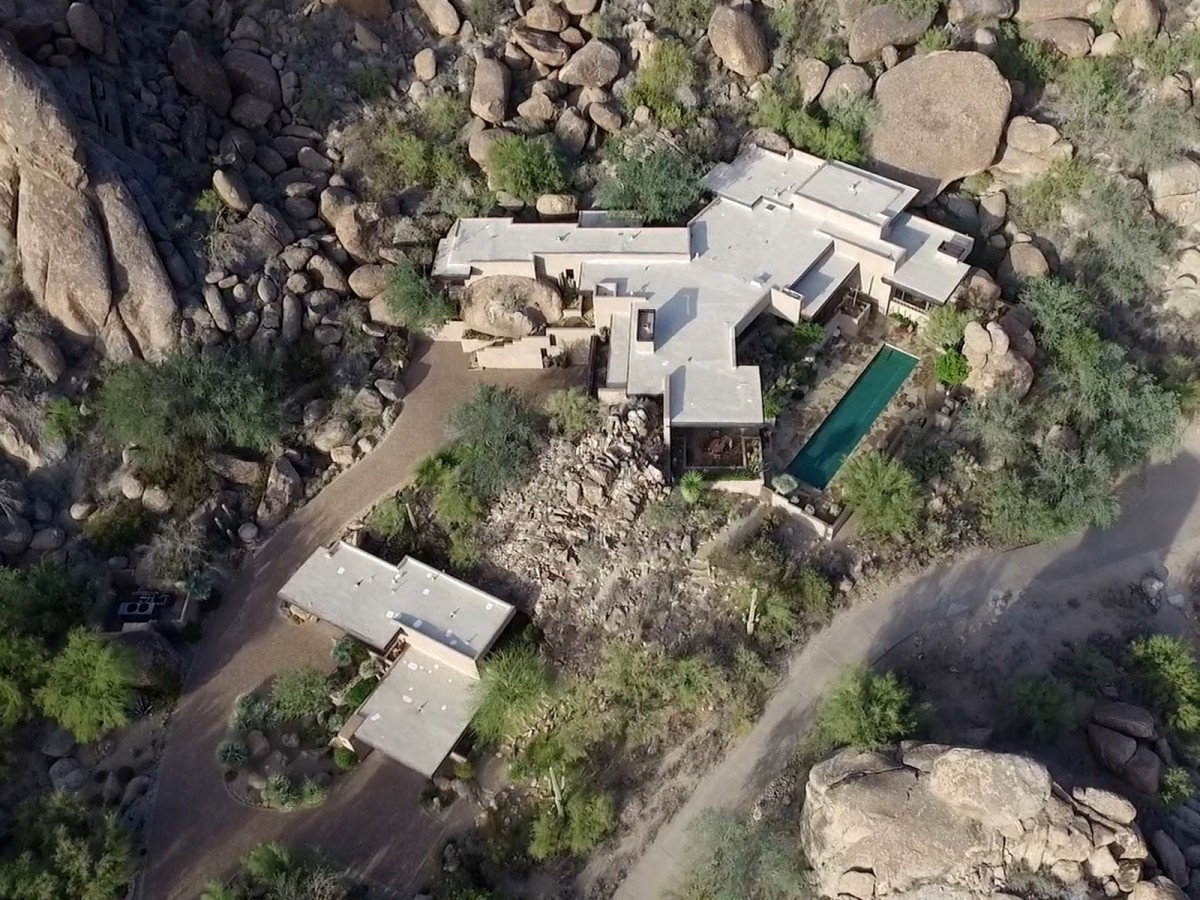 Auction planned for Carefree contemporary southwest architecture house with Award-Winning Landscape 12