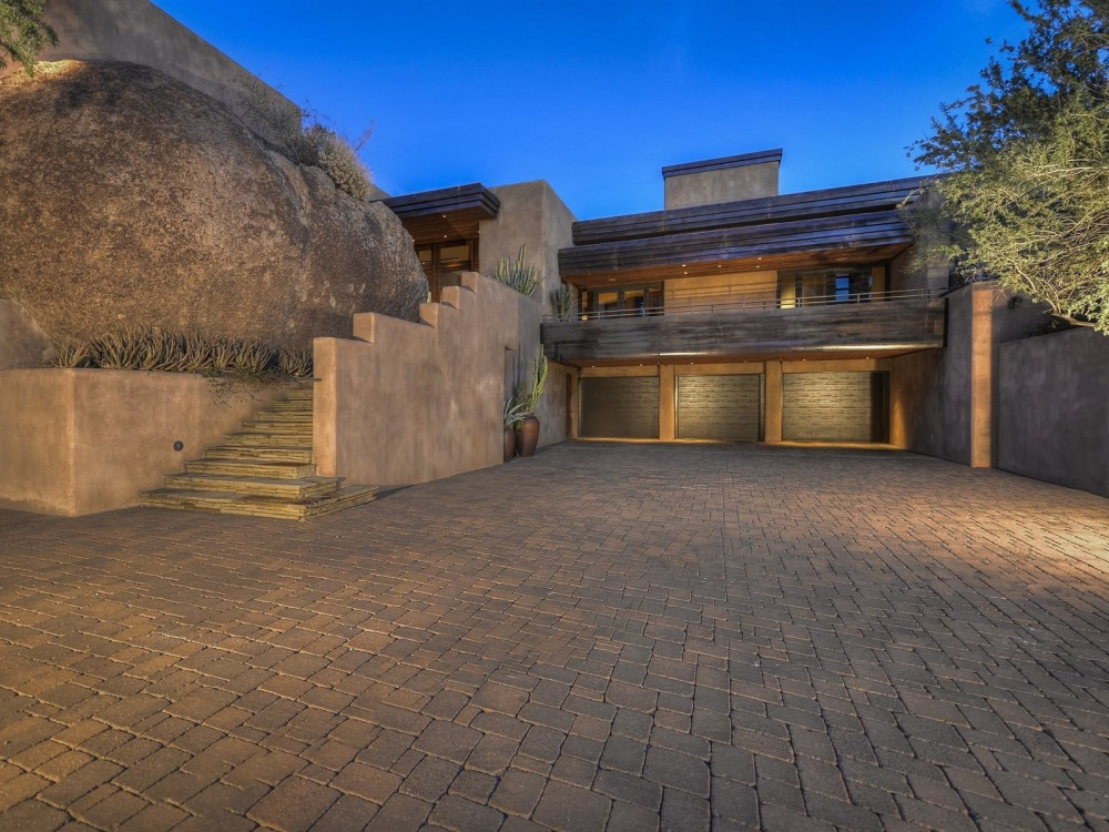Auction planned for Carefree contemporary southwest architecture house with Award-Winning Landscape 3