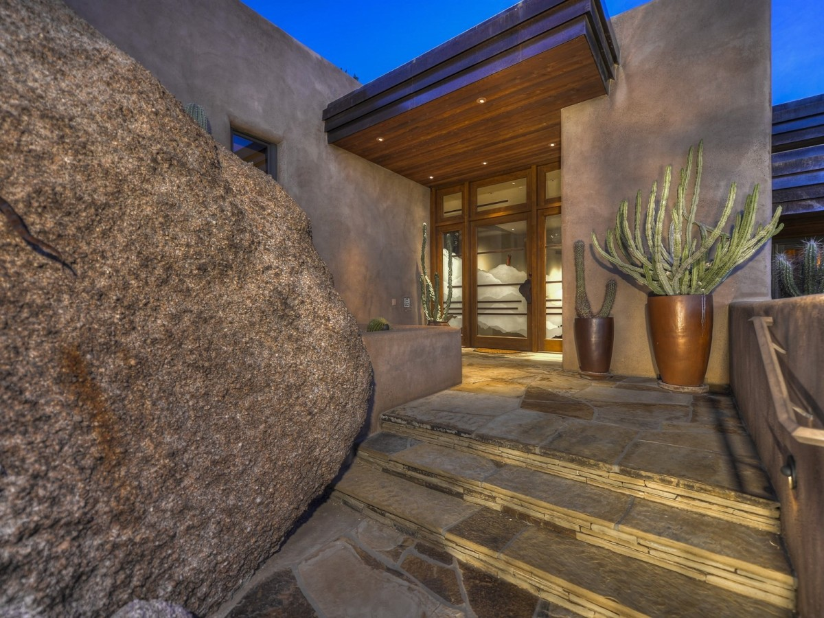 Auction planned for Carefree contemporary southwest architecture house with Award-Winning Landscape 4
