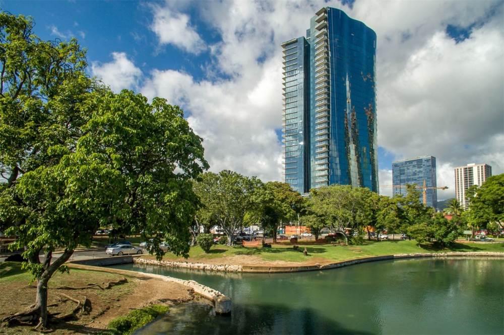 Waiea Grand Penthouse 1
