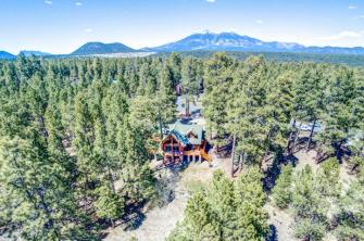Flagstaff's Mountain Masterpiece, Stunning one-of-a-kid log home 2