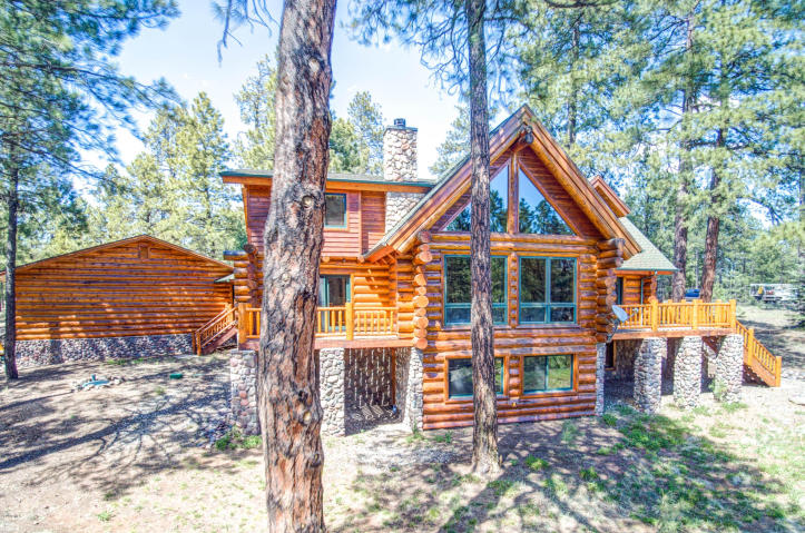 Flagstaff's Mountain Masterpiece, Stunning one-of-a-kid log home 5