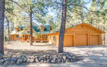 Flagstaff's Mountain Masterpiece, Stunning one-of-a-kid log home 9