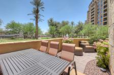 Scottsdale Waterfront pied-à-terre with all the perks & own private Patio 1