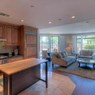 Scottsdale Waterfront pied-à-terre with all the perks & own private Patio 6