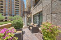 Scottsdale Waterfront pied-à-terre with all the perks & own private Patio