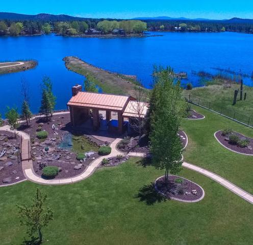 Luxury waterfront estate on Rainbow Lake 6