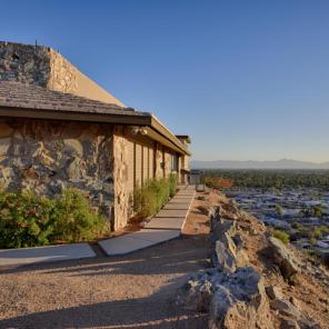 Mid-Century Modern design by Paul Christian Yeager sits on one of the highest view sights in North Phx 18