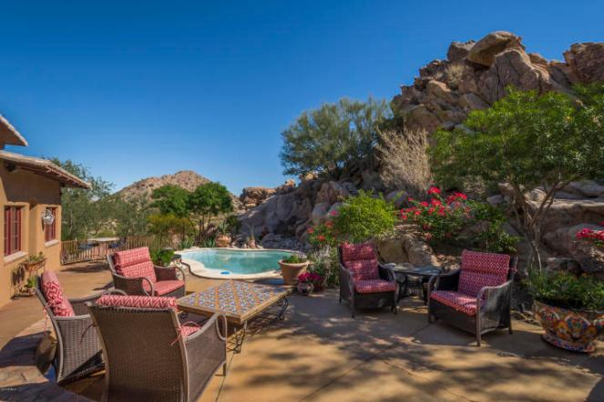 $1.4M Off the grid multi-level estate with guest house is a luxurious retreat and has forever views 12
