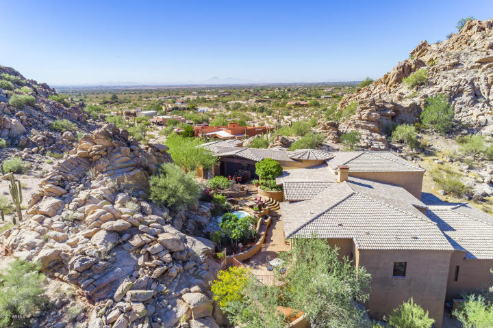 $1.4M Off the grid multi-level estate with guest house is a luxurious retreat and has forever views 16