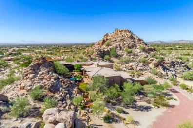 $1.4M Off the grid multi-level estate with guest house is a luxurious retreat and has forever views 2
