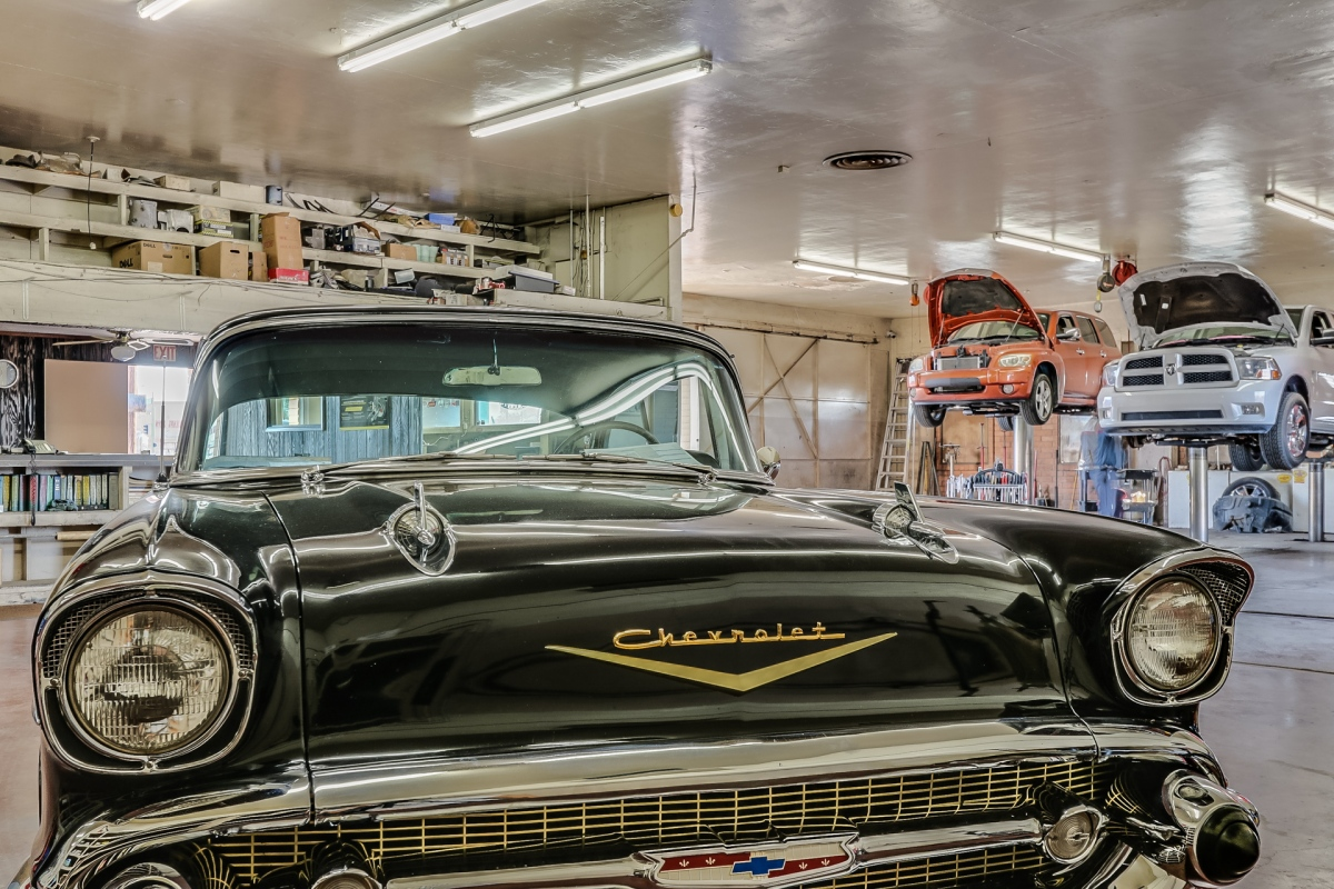 Vintage Auto Shop commercial property for sale – Your Guide