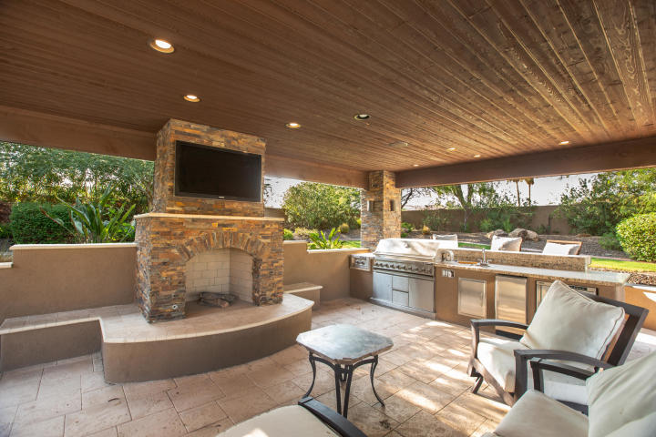 "For a cool $5M you can buy Arizona Cardinals WR Larry ""Fitz"" Fitzgerald Paradise Valley Pad 21"