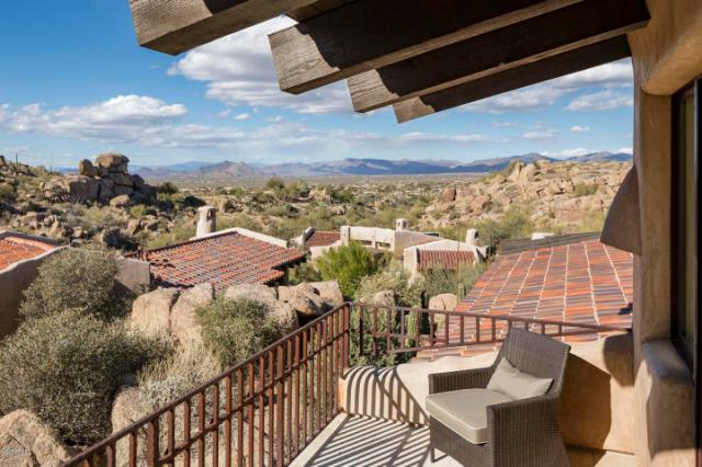 Estancia Scottsdale Southwestern adobe-style compound set amongst boulders to sell at auction 11