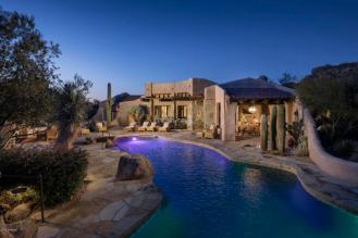 Estancia Scottsdale Southwestern adobe-style compound set amongst boulders to sell at auction 15