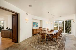 Estancia Scottsdale Southwestern adobe-style compound set amongst boulders to sell at auction 5
