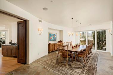 Estancia Scottsdale Southwestern adobe-style compound set amongst boulders to sell at auction 5