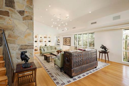 Estancia Scottsdale Southwestern adobe-style compound set amongst boulders to sell at auction 9