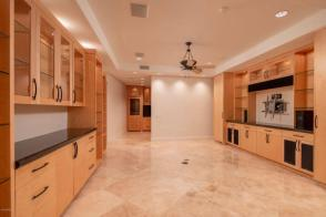 take a peek inside the most luxurious & largest penthouse in the residences @ 2211 e. camelback.. 7