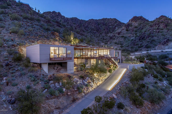 Contemporary masterpiece in Paradise Valley AZ