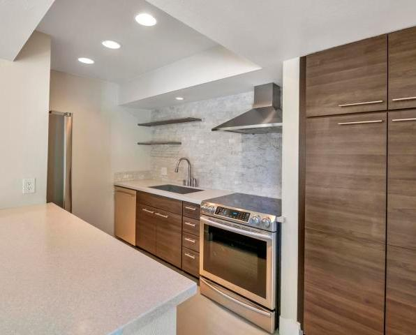 Ravishing Al Beadle designed town home with private pool & spa 1