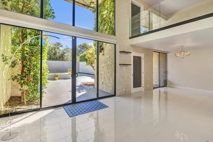 Ravishing Al Beadle designed town home with private pool & spa 3