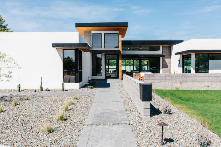 Design of the week - Sleek, New organic Contemporary designed to capture head-on Camelback vistas 15