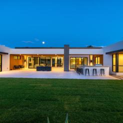 Design of the week - Sleek, New organic Contemporary designed to capture head-on Camelback vistas 16