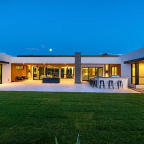 Design of the week - Sleek, New organic Contemporary designed to capture head-on Camelback vistas 16